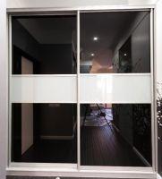 Встроенный с матовыми стеклами Размер (ВхШхГ): 2500х1500х600 Срок изготовления: 7 рабочих дней. Цена 17 000 руб