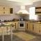 Деревянная кухня — экостиль в интерьере